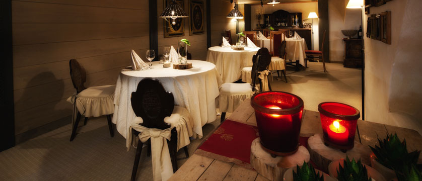 Italy_San-cassiano_Hotel-fanes_Dining-room.jpg